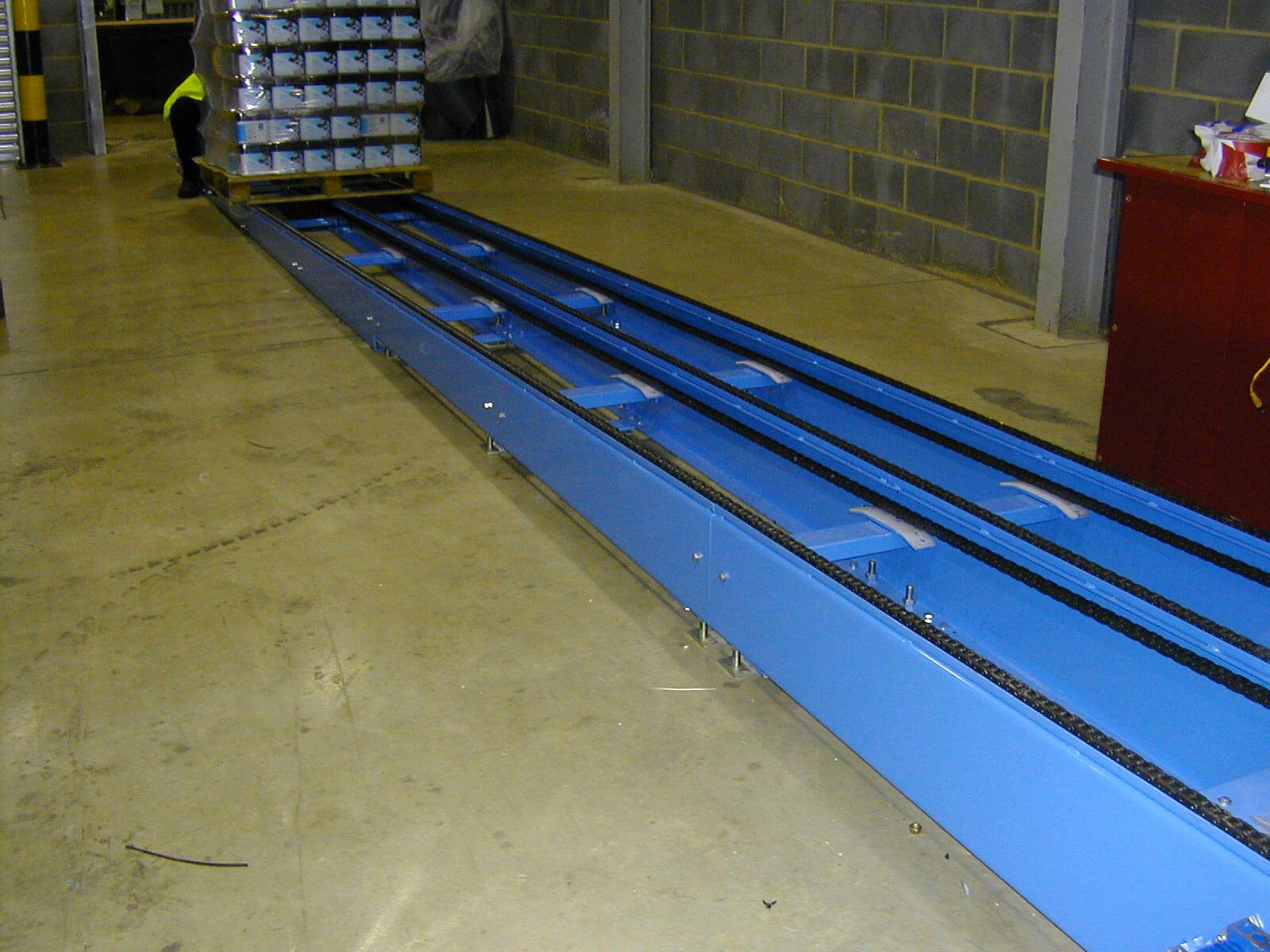 chain conveyor system load