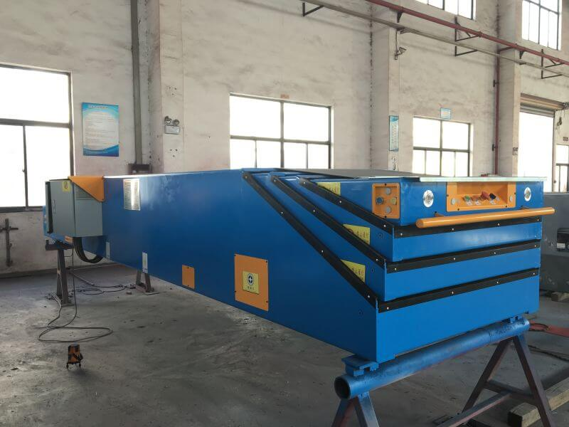 /products-services/telescopic-conveyors-dock-loaders